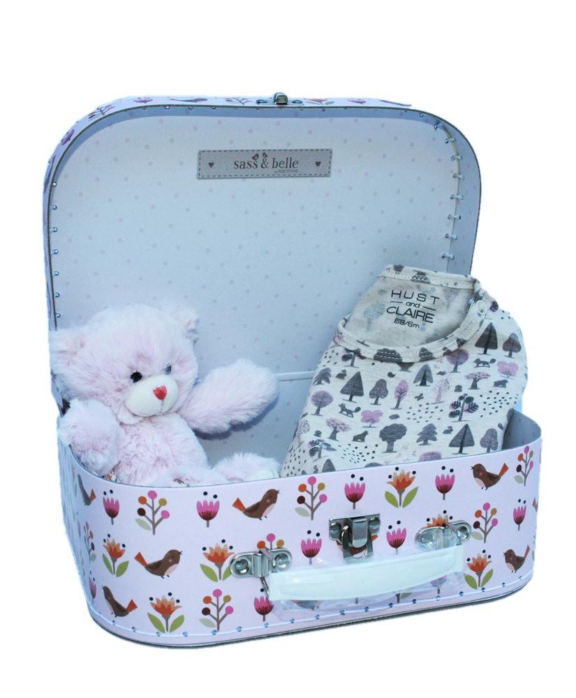 Baby Geschenk Koffer Wald mit Kuscheltier und Overall